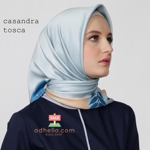 Kerudung / Hijab Segi Empat Satin Motif Zoya Scarf - CASANDRA TOSCA